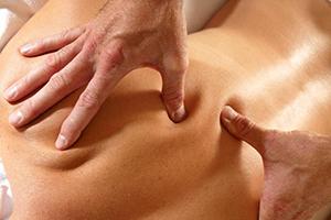 Виды лечебного массажа от межпозвоночной грыже